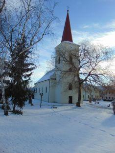 kostel vzimě